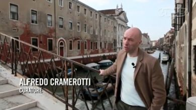 The VICE Guide to the Venice Biennale (Extract Part 2 of 3) Alfredo Cramerotti and Bedwyr Williams [Italian with English subtitles]
